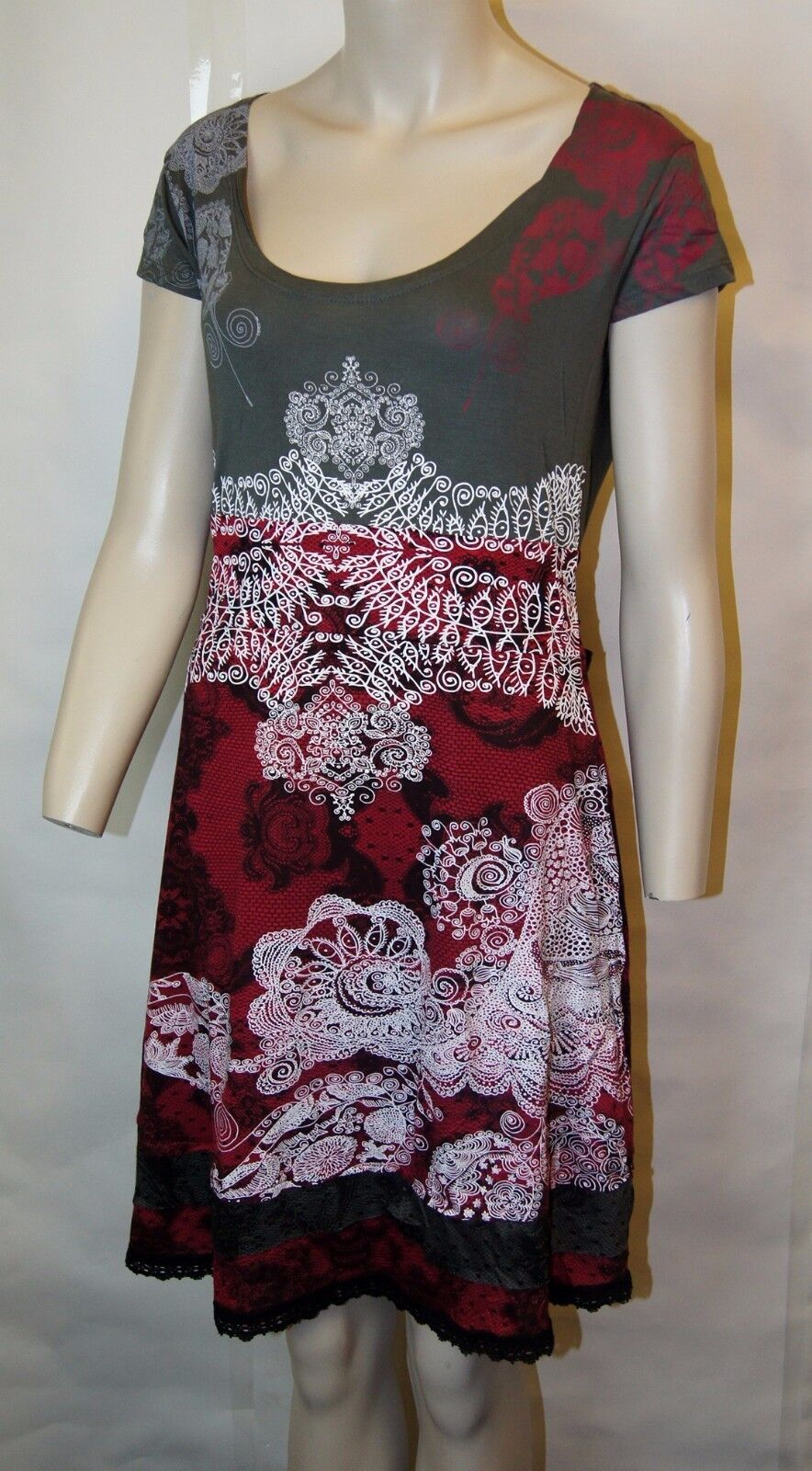 Brand New Desigual collection Elegant & Stylish  Raketun Liz  Red dress  Large