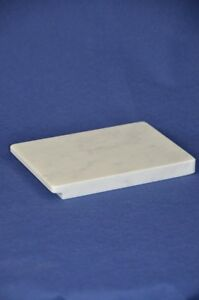 Piano-rettangolare-20x15-cm-in-marmo-di-Carrara-Carrara-marble-cutting-board