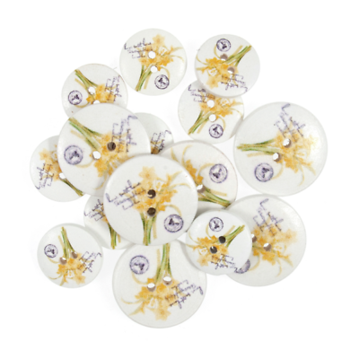 15 x Assorted Flowers And Bees Wooden Craft Buttons 18mm 25mm