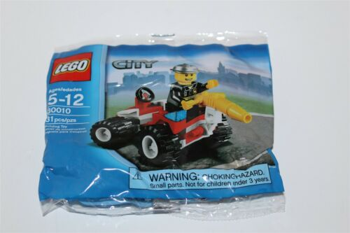 Lego City Fire Chief /& Fire Truck 30010 Brand New Polybag