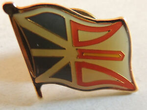 """Vintage 1990's Classic """"Flag"""" Pin"""