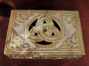4-034-x-6-034-Celtic-Triquetra-Soapstone-Box-Wicca-BXS43