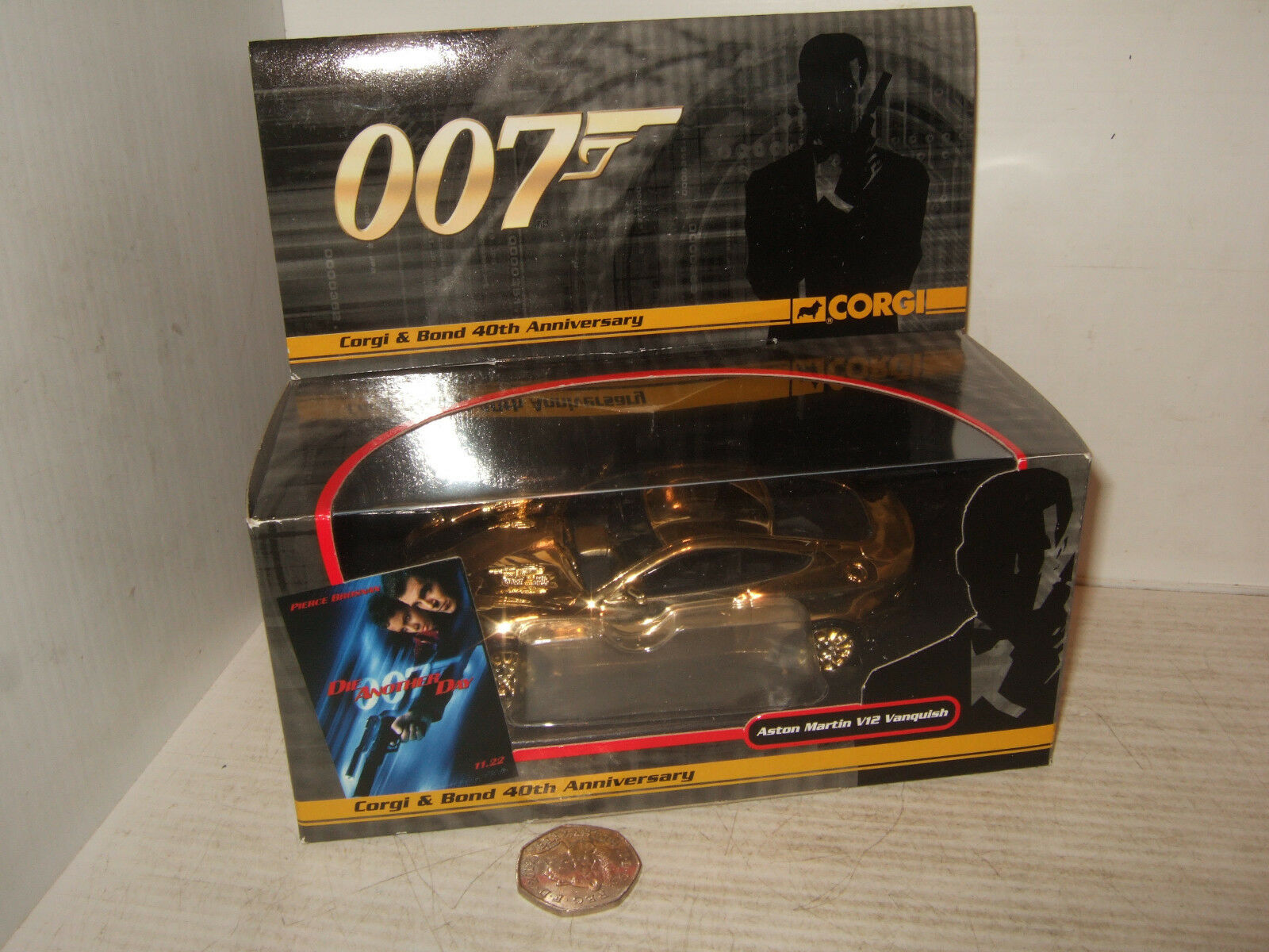 Corgi CC7505 40th Anniversary gold Plated Aston Martin V12 Vanquish 1 36 Scale