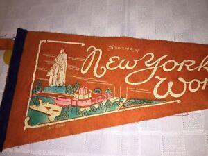 1939-1940-New-York-Worlds-Fair-Pennant-Rare