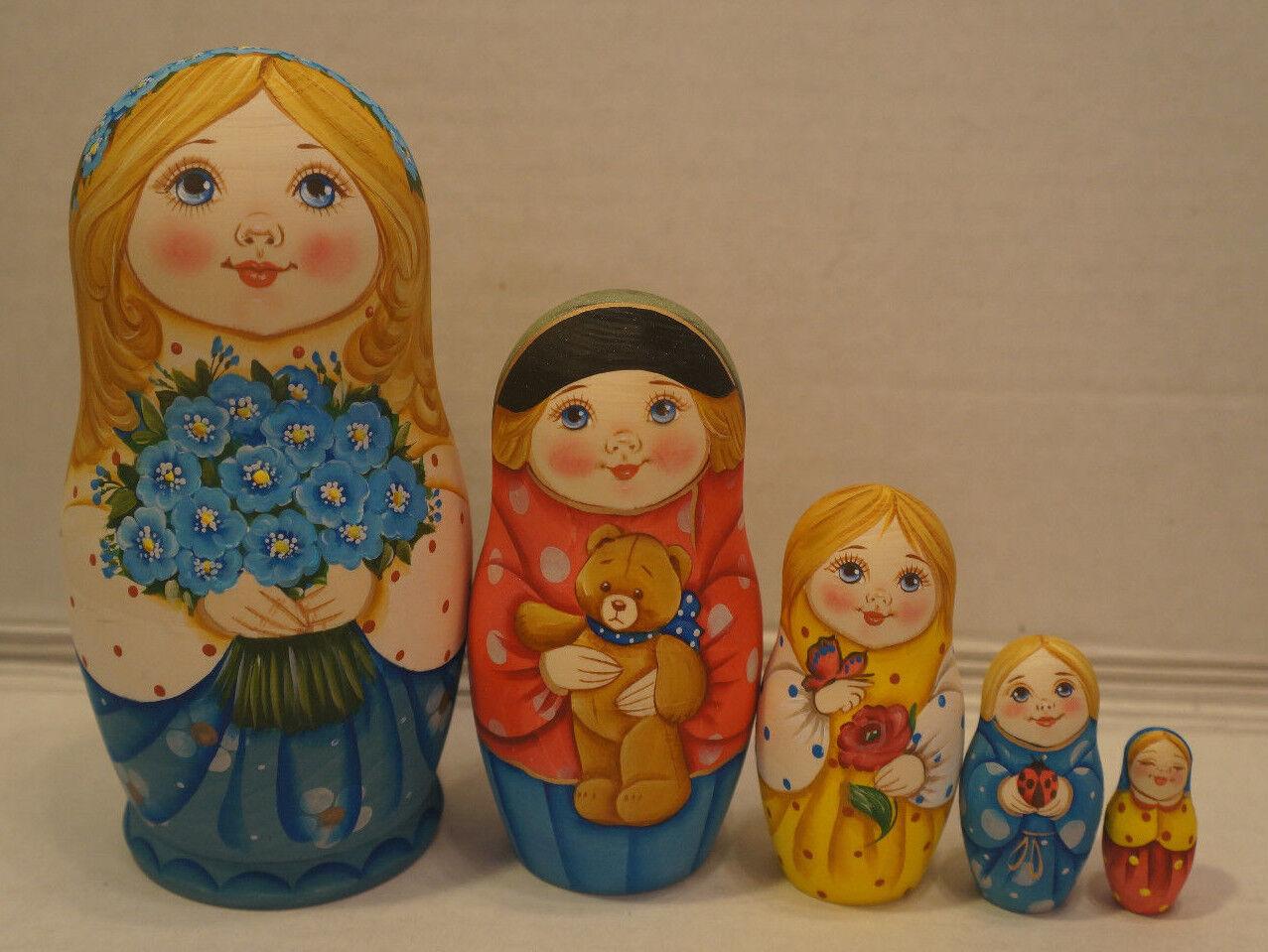 Russian Matryoshka - Wooden Nesting Dolls - 5 Pieces Unique Coloreeing - Set  9