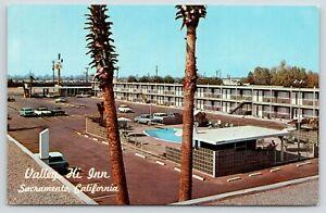 Sacramento-California-Valley-Hi-Inn-Best-Western-Motel-Palm-Trees-1950s-Cars