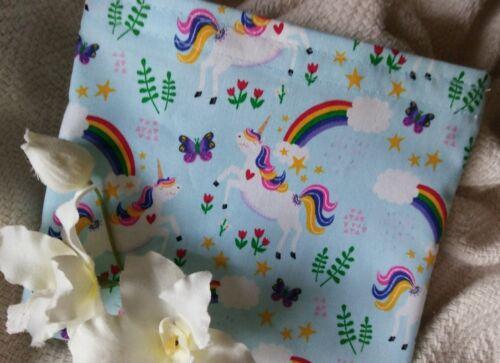 """REUSABLE SNACK /& SANDWICH BAG//PARTY FAVOR /""""Unicorns /& Rainbows!/"""""""