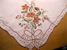 Mitteldecke mit Blumenstickerei in Braun und Grün-Tönen Schleifen 80x80 cm Nr.15