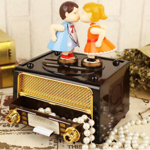 Retro-Classical-Radio-Music-Box-Wind-Up-Music-Box-Gift-for-Couples