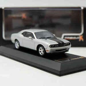 Dodge-Challenger-SRT8-2009-escala-1-43-por-PremiumX