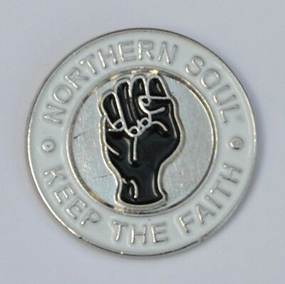 "NORTHERN SOUL /""KEEP THE FAITH/"" WHITE ENAMEL PIN BADGE"