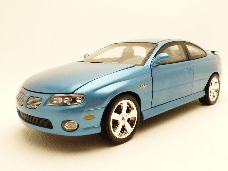 Achats de Noël PONTIAC GTO bleu 2004 1/18 | Outlet