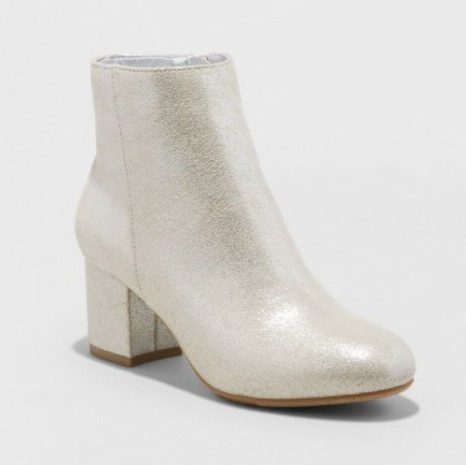NEW A New Day Women's Rivers Metallic Ankle Booties Sueded Silver Shiny Sz 6.5