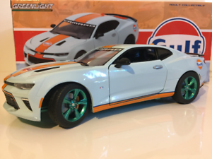 RARE Gulf Oil 2017 Chevrolet Camaro SS Greenlight 1 24 Scale
