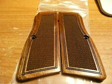 BROWNING HI POWER SUPER WALNUT GRIPS W/ CHECKERED SLIM STYLE CUT AMBI SAFETY NEW