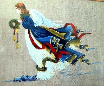 RENAISSANCE ANGEL Carrying Christmas Wreath Counted Cross Stitch Chart