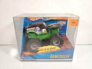 Hot-Wheels-Monster-Truck-Grave-Digger-Rev-n-039-Go-2001-Brand-New-NIB