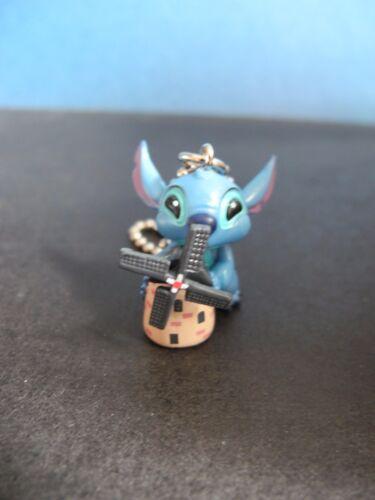 Holland Runa Disney Stitch Round The World keychain figure