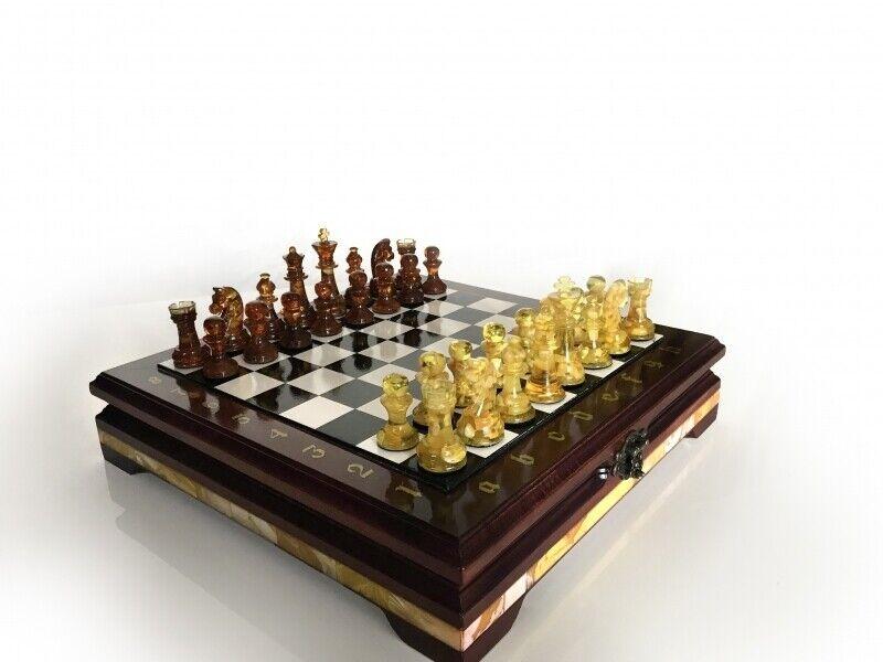Juego de ajedrez ámbar desde Kaliningrado Masters
