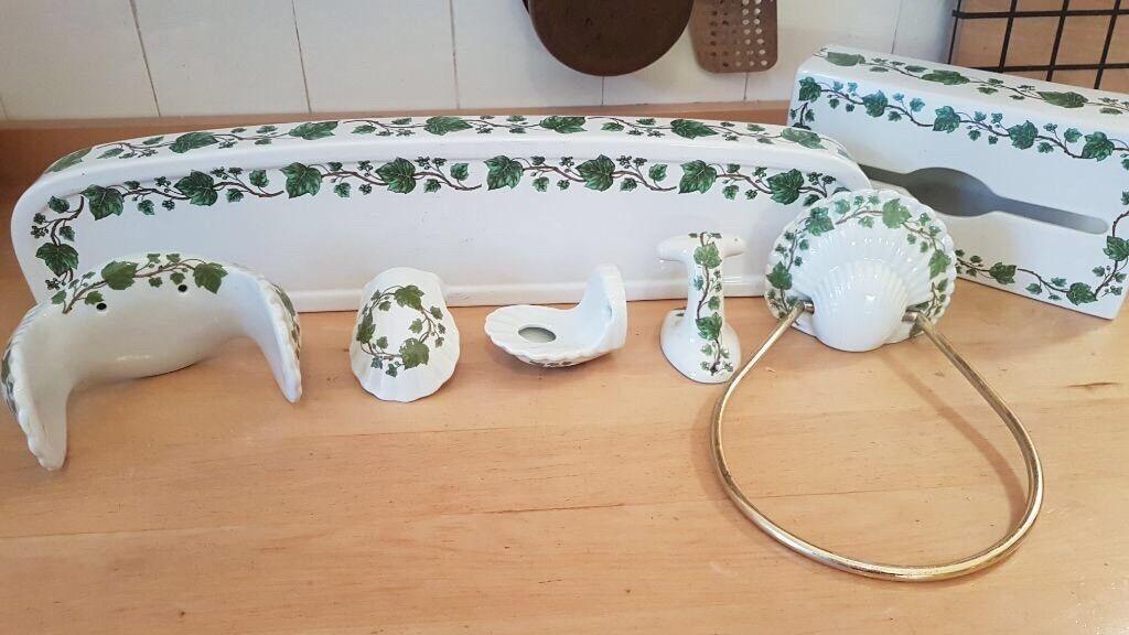 6 teiliges Set Porzellan mit Efeu-Les Bains Décore Porcelaine De Paris France