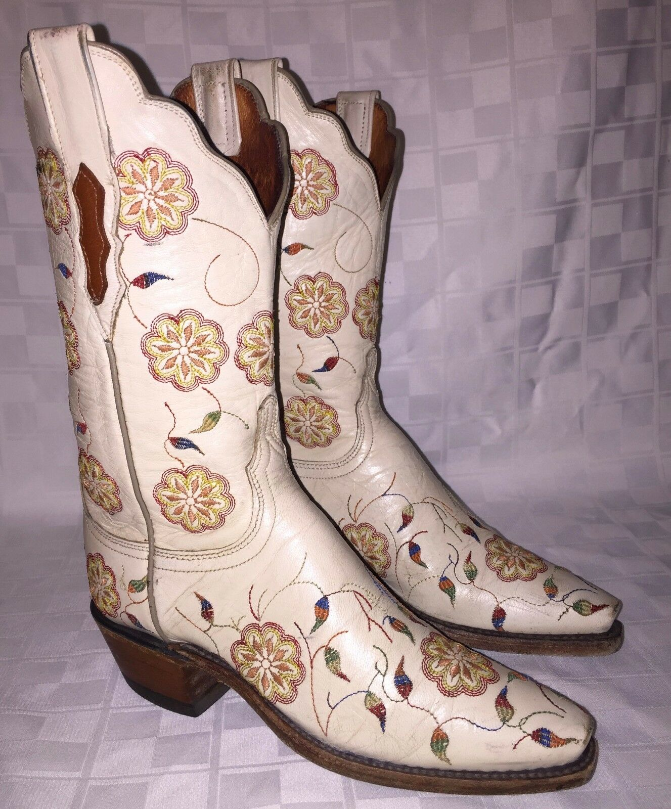 Donna 5 B LUCCHESE 1883 N4552 Cowgirl Cowboy Cream w/ Floral Embroidery Boots