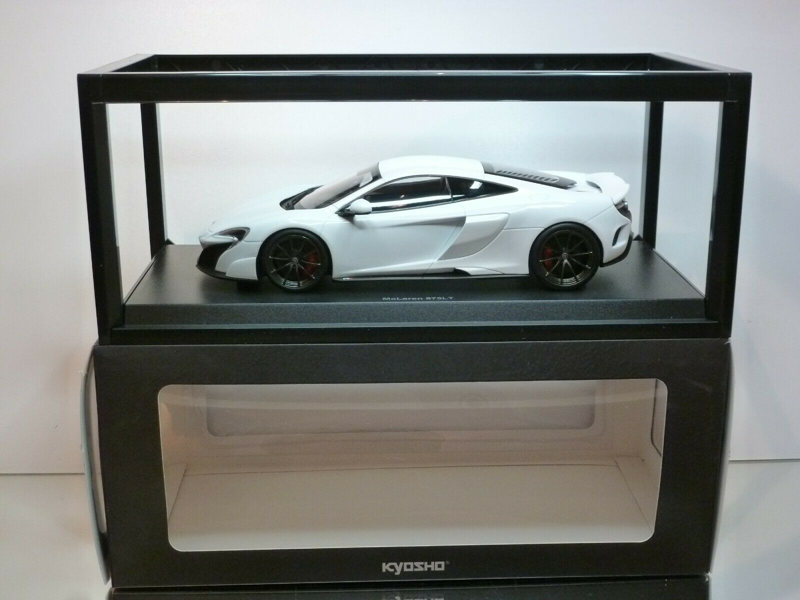 KYOSHO C09541W McLAREN 675LT - bianca METALLIC 1 18 - EXCELLENT IN BOX