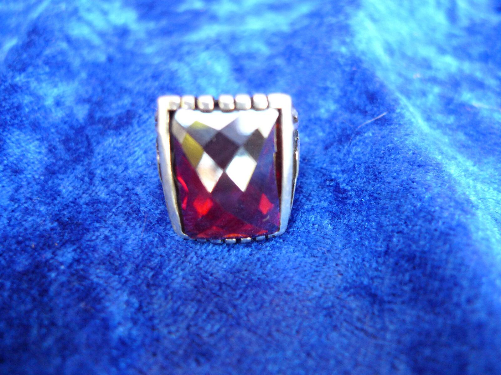 _edler Ring__925 silver__mit redem Stein _Facettenschliff___