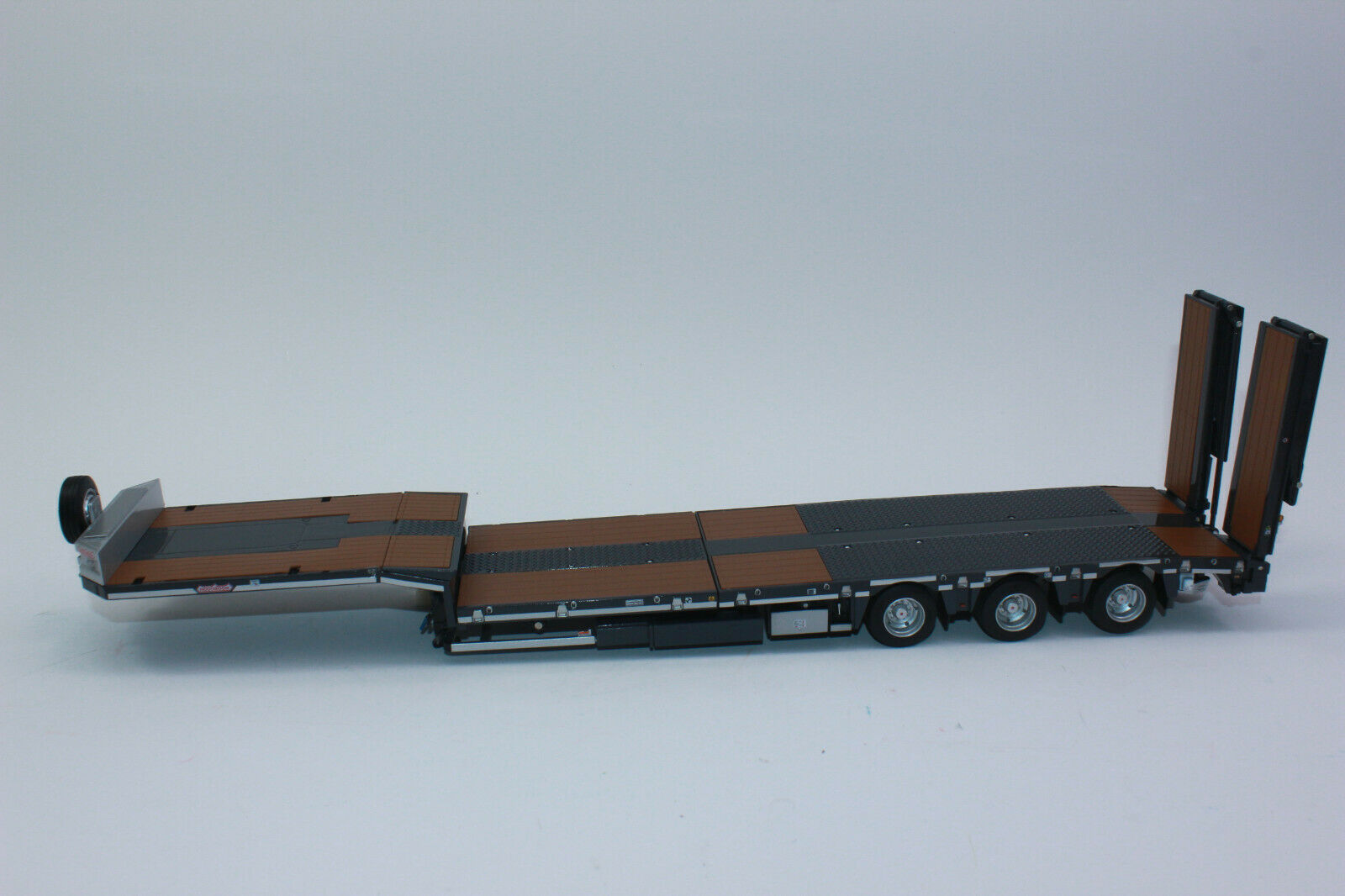 Marge 1812-02 Low Loader 3 AXLE NOOTEBOOM Grey mcos 48-03 New with Original Box  1 32