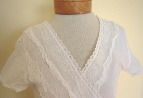 New/_Cute/_Boho Embroidered/_Cotton Crossed Front White Top/_Free Size/_Fits size S-M