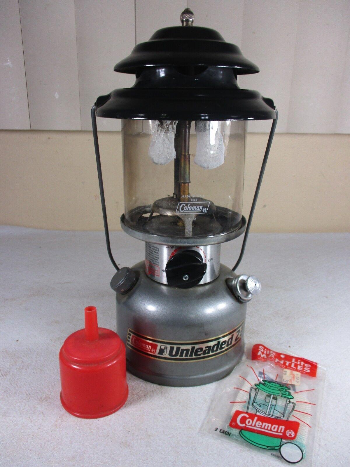 Vintage 1990 Coleman Model 285-700-2 Double Mantle Unleaded Funnel Gas Lantern & Funnel Unleaded e838a5