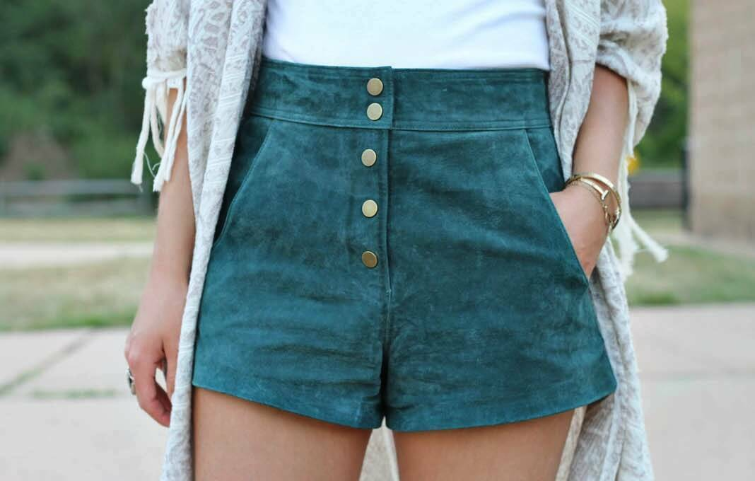 ZARA LEATHER SUEDE HIGH WAIST SHORTS PANTS 70s STYLE BLOGGERS S SMALL