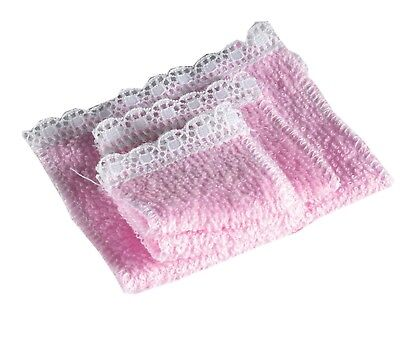Dolls House Emporium Miniature 1//12th Scale Pink or Blue Set of 4 Towels