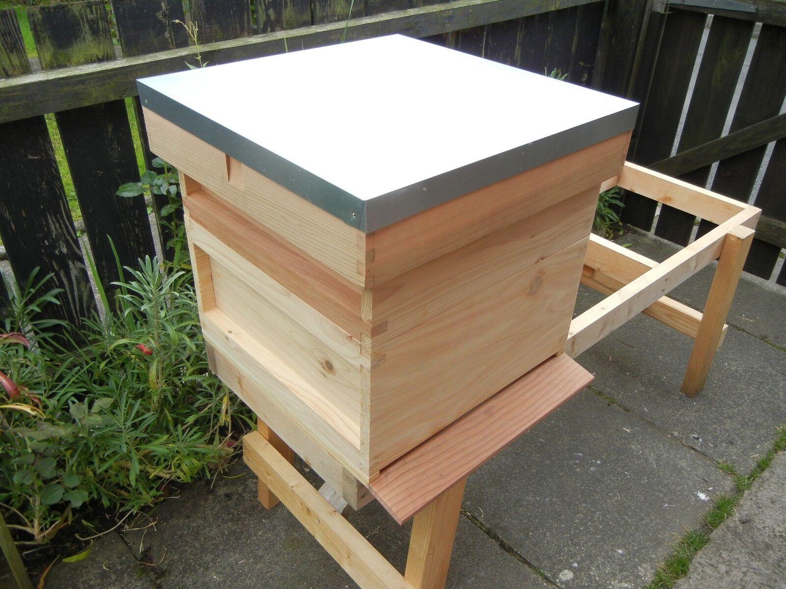 1 Nazionale Bee Hive, Cedar Wood, assemblato.