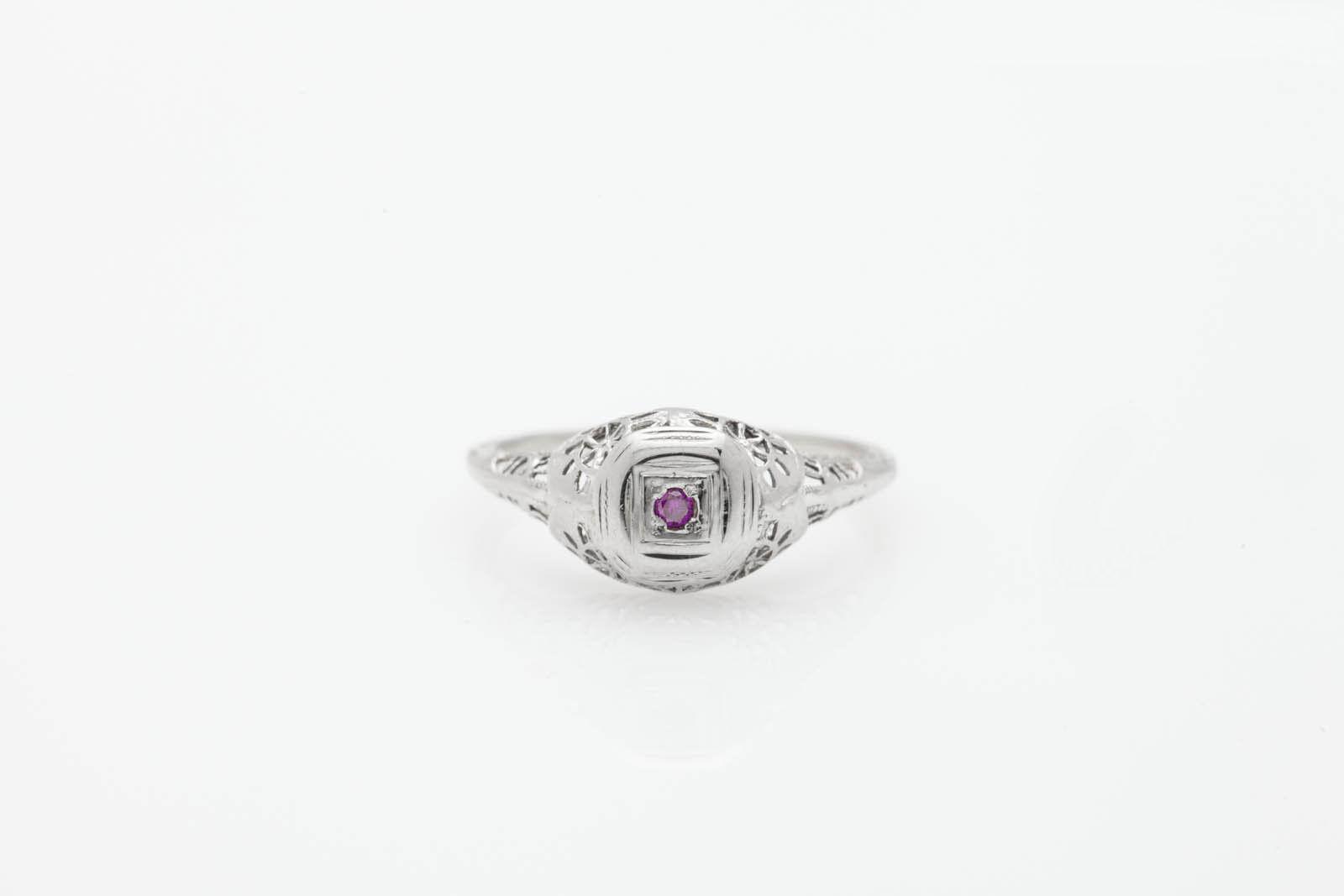 Antique 1920s Genuine Natural VIVID Purple Diamond 18k White gold Filigree Ring