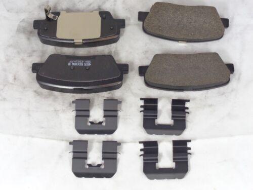 583022WA70 GENUINE HYUNDAI Santa Rear Disc Brake Pad Kit
