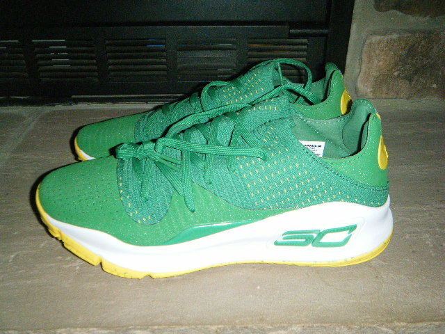 UA STEPHEN CURRY 4 LOW IMPOSSIBLE COLOR NEW SIZE 10 GREEN WHITE YELLOW HTF RARE