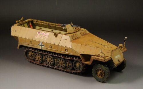 1//30 prebuilt WWII German SdKfz 251//D Halftrack DAK No.225