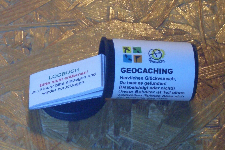 Geocaching GEOCACHE-filmdose-Micro + journal bord de bord journal + eau fixe autocollant (stashnote) 6417e0