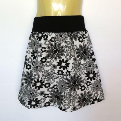 Girls Black /& White Floral Skirt sizes 2 to 12 avail retro flower daisy