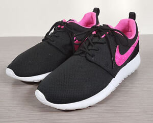 new concept 5e36e 9ba96 Image is loading Nike-039-Roshe-Run-039-Sneaker-Black-Mesh-