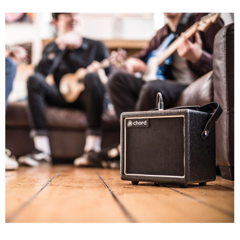 Mini Micro Battery Powerot Portable Electric Guitar 8w Amp Small Amplifier + FX