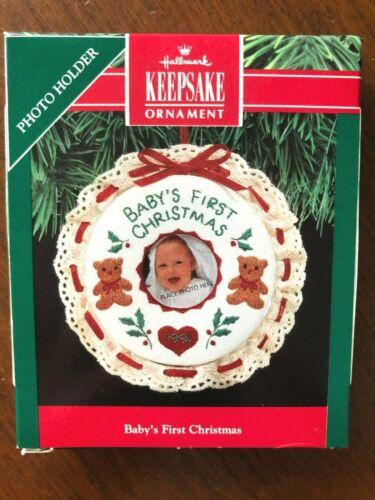 HALLMARK 1991 BABY/'S FIRST CHRISTMAS PHOTO HOLDER ORNAMENT