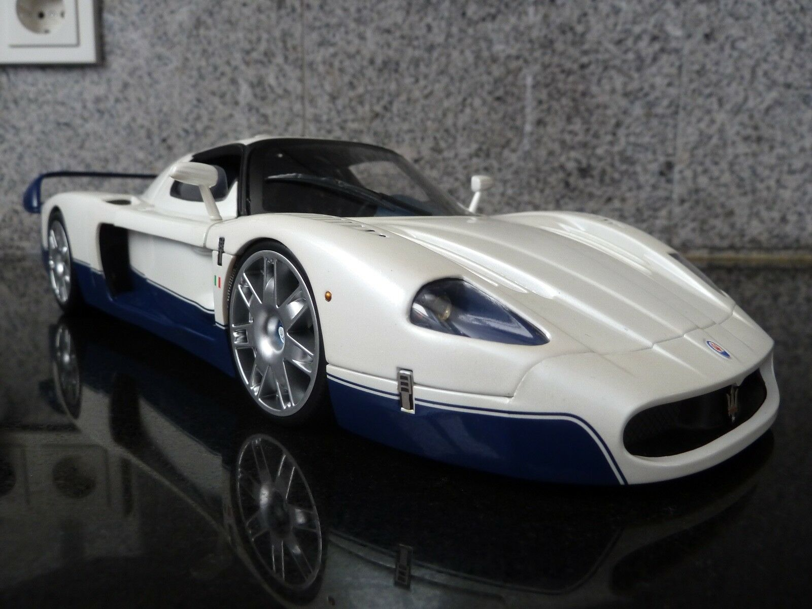 1 18 Hot Wheels Elite, Maserati MC 12, HW