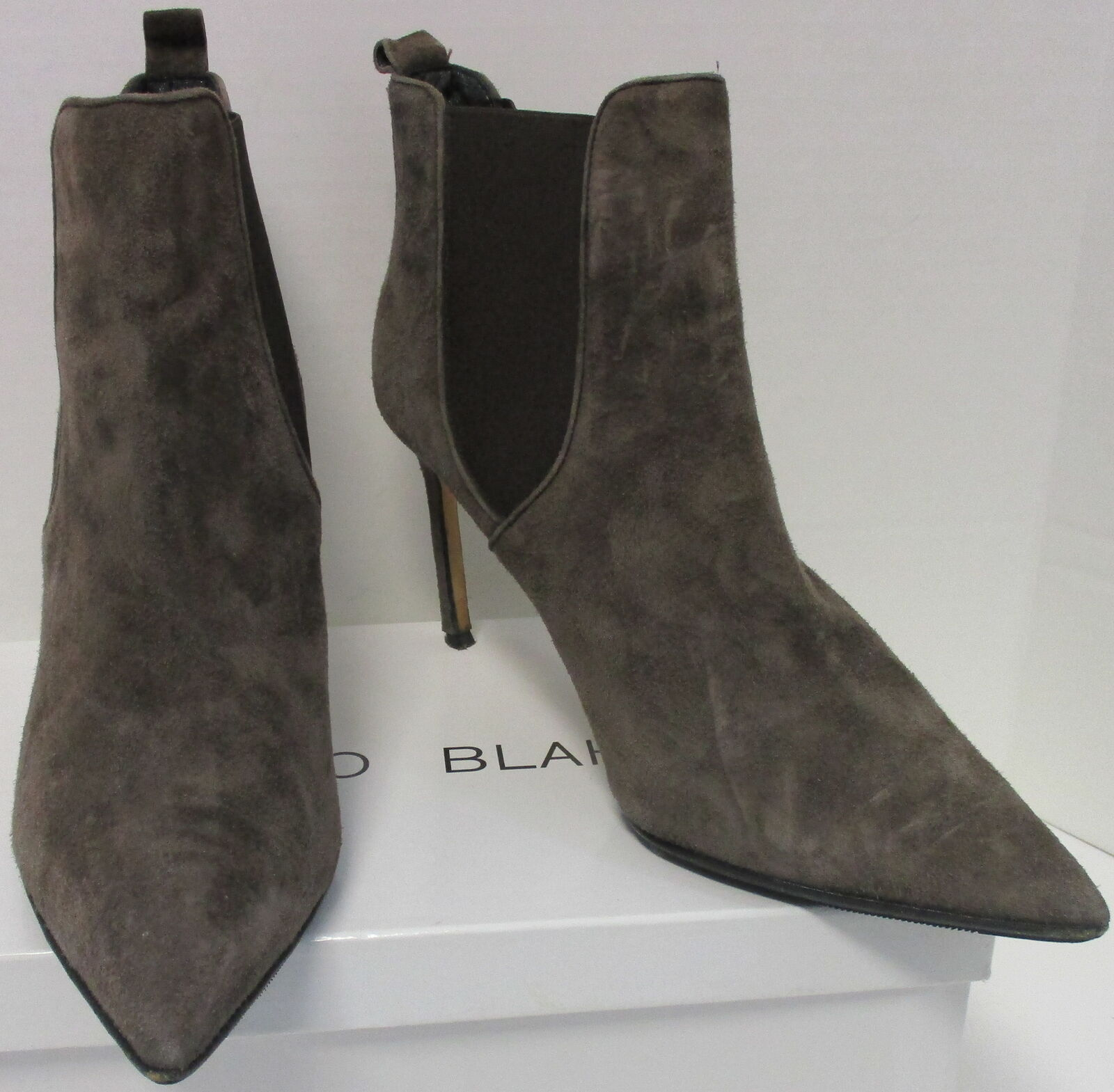 MANOLO BLAHNIK brown suede pointed toe slim heel ankle bootie sz 41