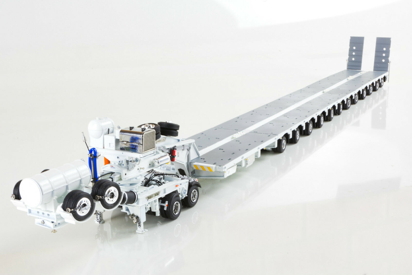DRAKE 7x8 STEERABLE TRAILER with 2x8 DOLLY & 5x8 ACCESSORY CLIP SET - WHITE