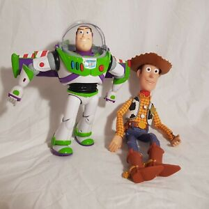 Thinkway-Disney-Toy-Story-Interactive-Buzz-Lightyear-And-Woody-Talking-Figures