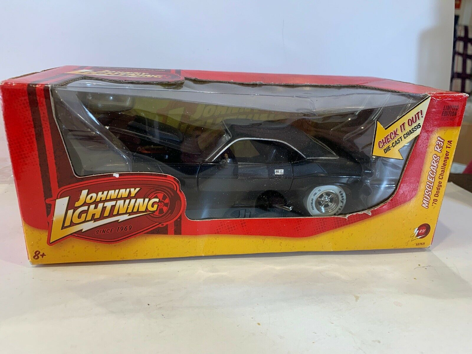 Johnny Lightning Muscle Cars Die-Cast  1 24 24 24 1970 Dodge Challenger T A WHITE TIRE 9c8794