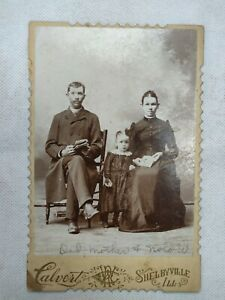 """Vintage Photo of Father - Mother - Daughter Imperial Portrait Co CHICAGO 6.5""""x4"""""""