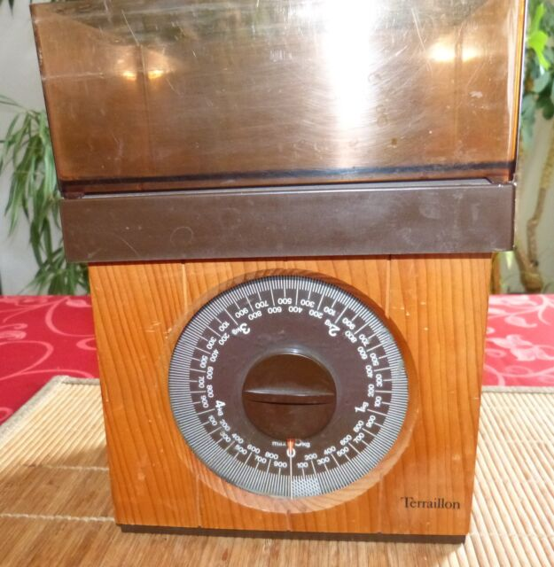 Balance de cuisine vintage Terraillon, entourage bois. 5kg.