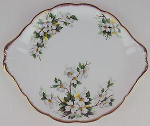 Cake-Serving-Plate-Platter-Royal-Albert-White-Dogwood-vintage-bone-china-England